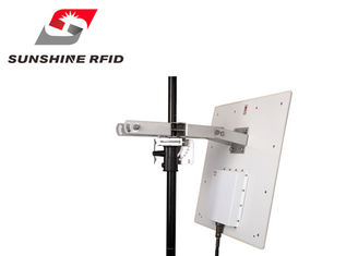 China Integrated RFID Reader Long Distance , RFID Long Range Reader For Parking supplier