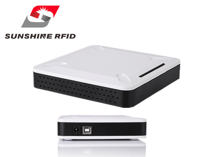 China Portable UHF RFID Reader Long Distance / Industrial RFID Reader Outdoor factory